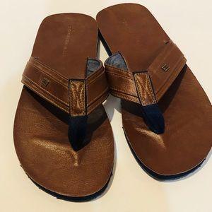 Tommy Hilfiger Leather flip flop thong sandals 12M